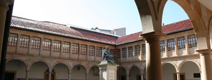 Claustro_Universidad_de_Oviedo_
